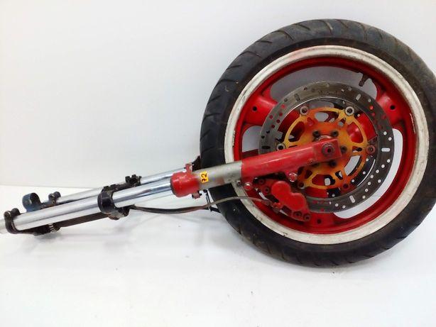Yamaha FZ 750 lagi , półki koło zaciski tarcze , amortyzatory komplet