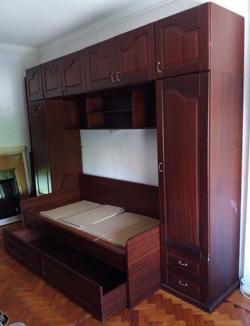 Móvel estúdio com 2 camas - Excelente arrumação