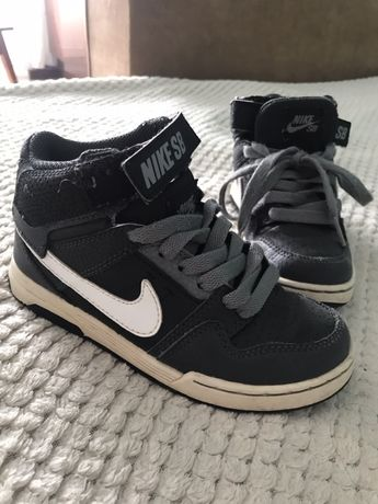 Ботинки 29р 18,5 см nike кроссовки сникерсы