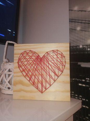 Walentynkowy upominek string art obraz