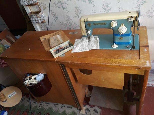 Швейная машина ЧАЙКА класса 115-1