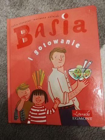 Książeczka z serii Basia i gotowanie