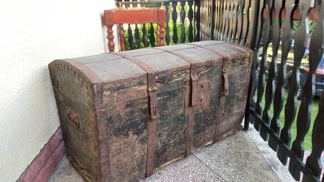 Stary kufer do remontu
