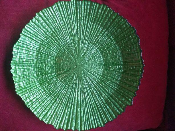 szklane zielone talerze