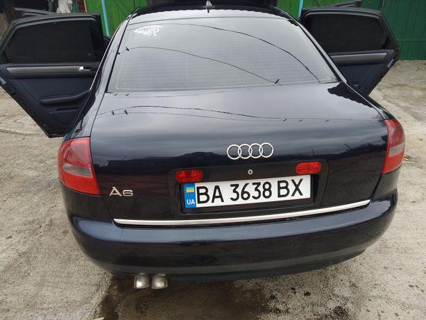 Продается автомобиль Ауди а6 2002 года выпуска цвет синий