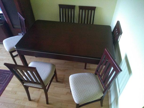 Sprzedam stół drewniany plus 6 krzeseł