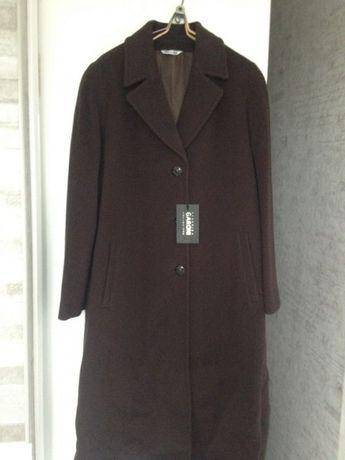 Пальто новое из кашемира и шерсти из Италии подойдет на 50,52,54 р-р