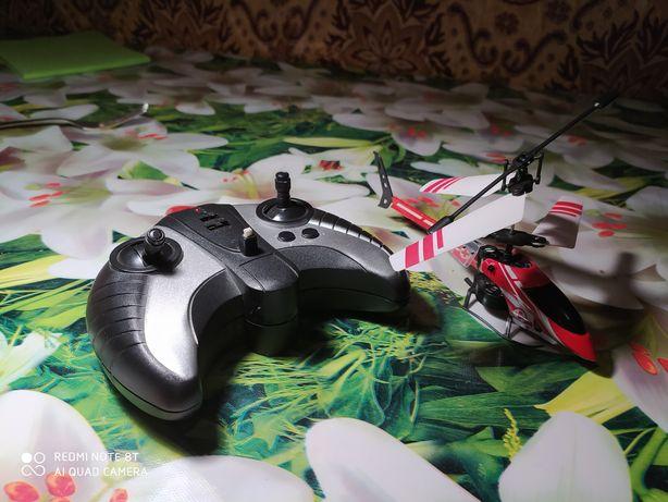 Продам вертоліт з пультом управління