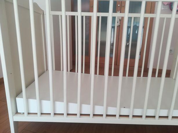 Base elevatória para bebés com refluxo -p/Berço/Cama se grades
