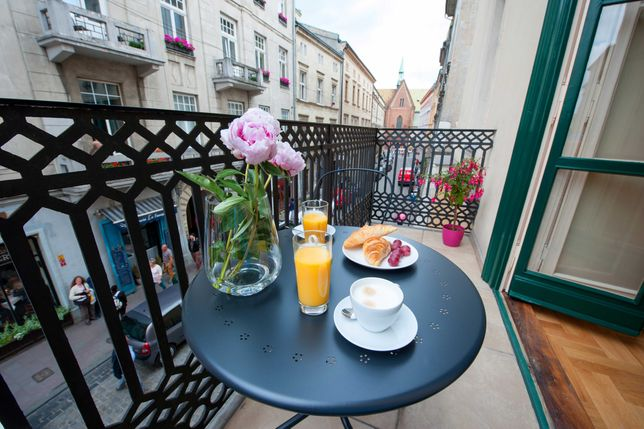 Noclegi Bon Turystyczny Apartament 8 os Kraków, Bracka 7-piękny balkon