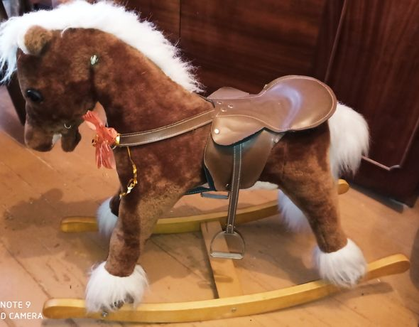 Кінь гойдалка без ручок
