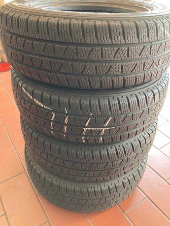 Opony zimowe dostawcze205/70R15C Pirelli