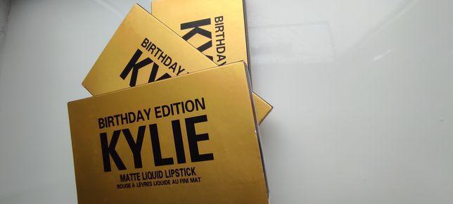 Помади Kylie Birthday