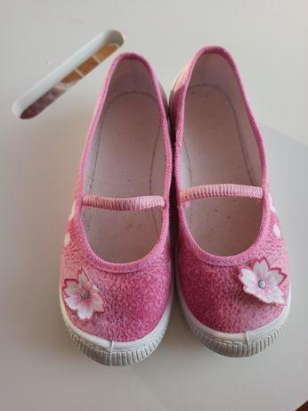 Kapcie dzieciece buty