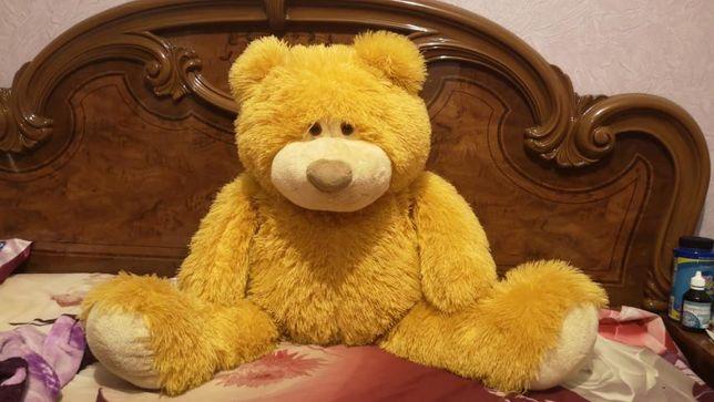 Медведь выс 1 м.