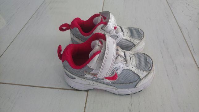 Nike adidasy 22,5 dla dziewczynki