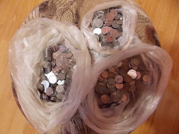 монеты украины 1,2 копейки разные.