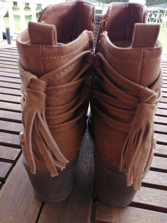 Meia bota, castanho claro