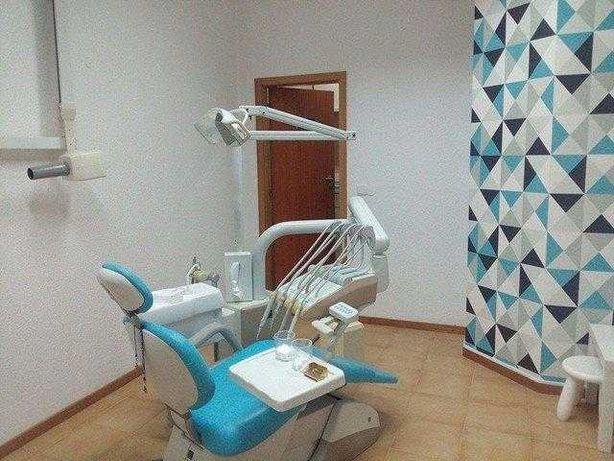 Passa-se Clínica Dentária com outras especialidades