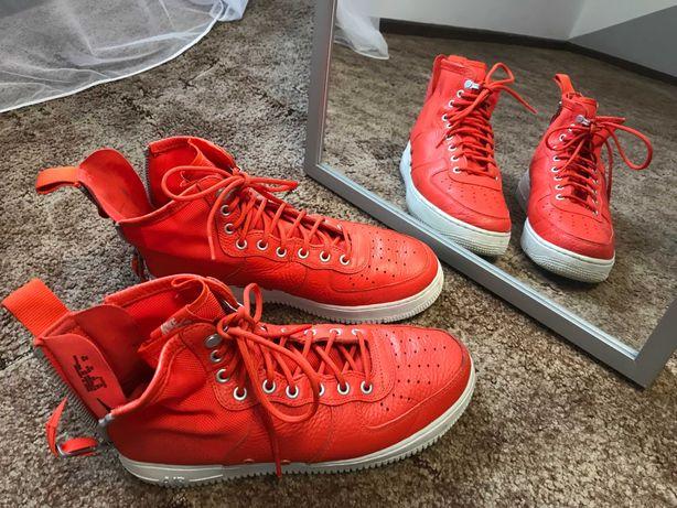 Чоловіче взуття Nike Sf Air Force 1 Mid Team Orange оригінал кросовки