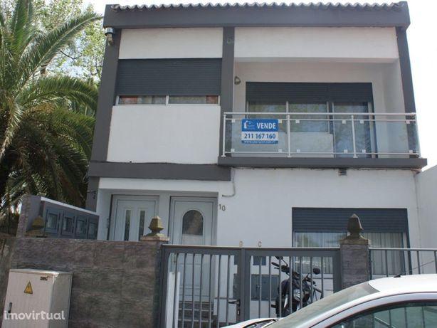 Moradia T3 em Ponta Delgada, perto do aeroporto e do cent...