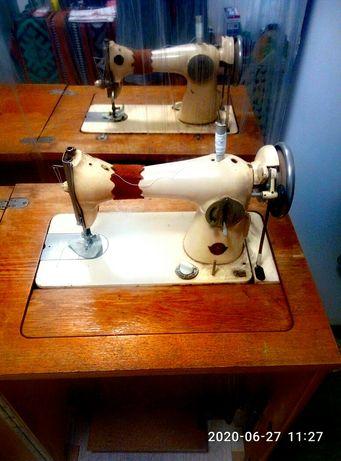 Швейная машинка ПМЗ им. Калинина, ножной привод ,стол - тумба .