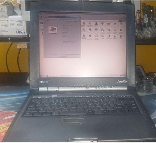 Portatil TOSHIBA Satellite Pentium III - Vintage