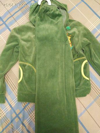 спортивный костюм велюровый детский,6-7 лет