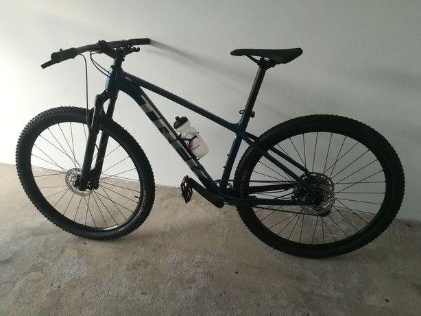Bicicleta Trek roda 29 - NOVA com garantia