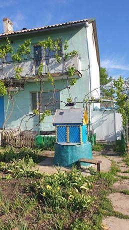 Продаю двоповерховий будинок в селі поблизу м. Миколаїв