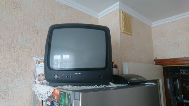 Телевизор Philips на кухню или дачу