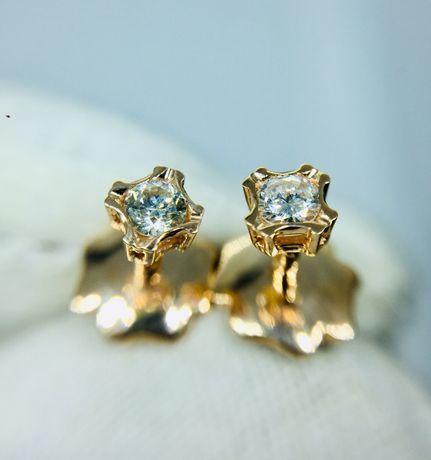 Золотые сережки серьги пусеты с натуральными бриллиантами 0.15 карат.