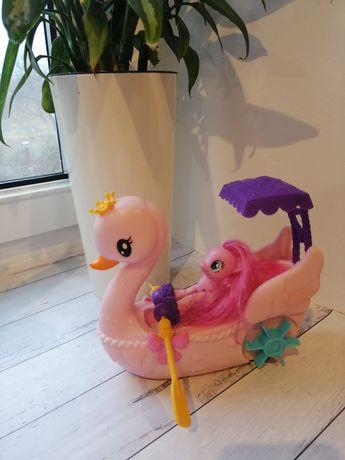 Pinky Pie w łódce, kucyk Pony