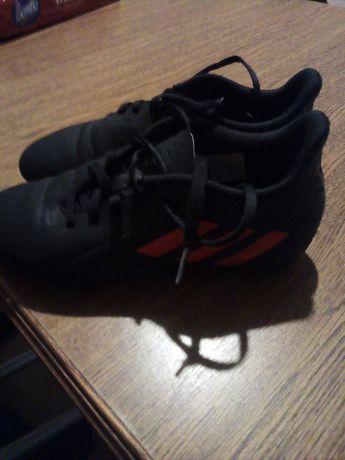 Korki Adidas seri Deportivo