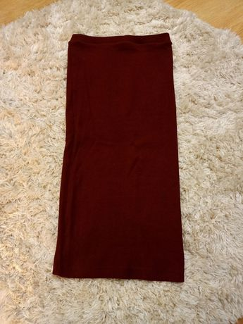 Ołówkowa, elastyczna spódnica w prążek, bordo