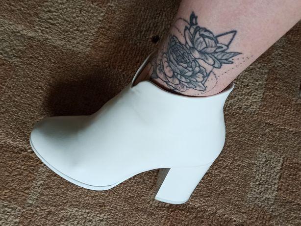 Продам черевички 35-36 розмір