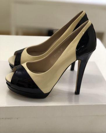 Новые кожаные лакированные туфли 38р