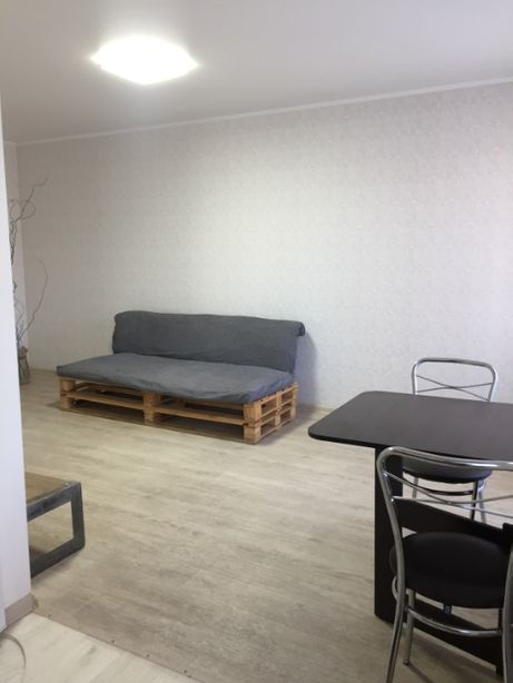 2-х комнатную ,кольцо Косира( ул.Постышева),входит мебель и быттехника