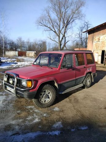 Isuzu Trooper 1988 рік 2,6 бензин
