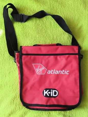 Czerwona torba dziecięca z przepięciem na plecak