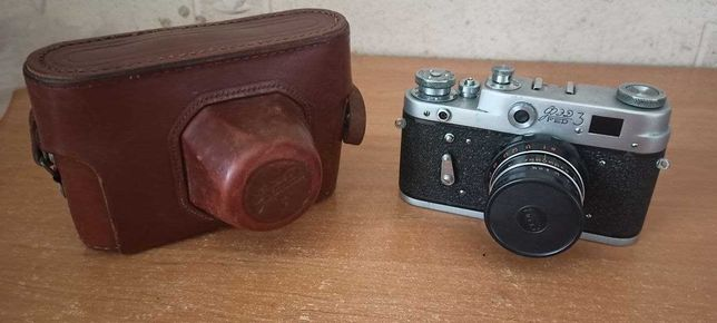 Продам пленочные фотоаппараты ФЭД- 3, ФЭД- 5