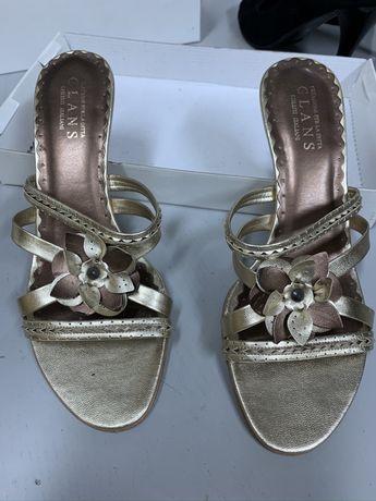 Laczki sandały zlote laczki z kwiatkuem nowe