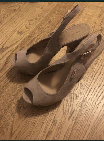 Дитяче взуття літнє