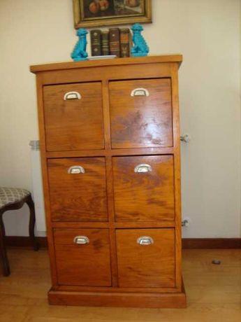 Armário de escritório estilo vintage