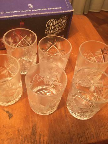 Продам шесть хрустальных стаканчиков-стопочек.