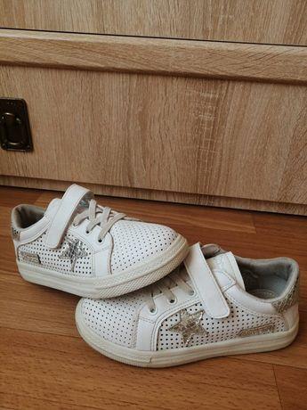 Стильлі дитячі кросівки