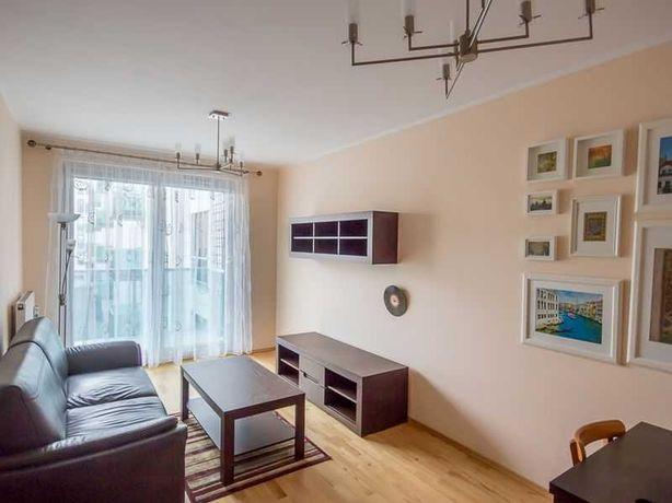 Wynajmę mieszkanie na łazarzu, 56m2, 2 pokoje + miejsce postojowe