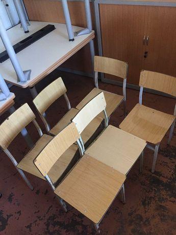 Conjuntos de 6 cadeiras de madeira com estrutura metálica