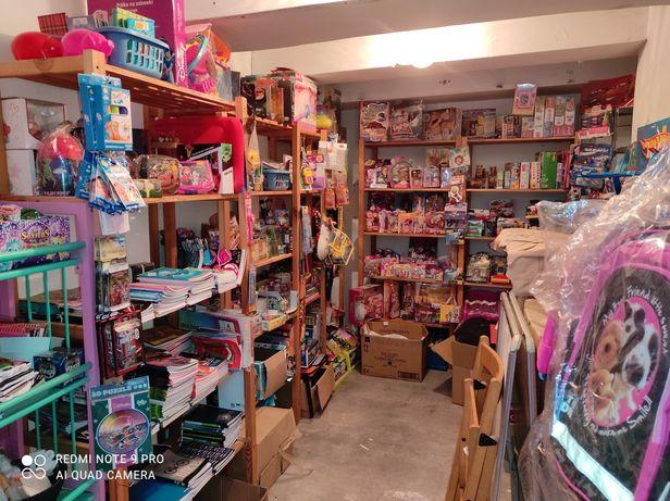 Nowe zabawki, art szkolne, piśmiennicze, plecaki, likwidacja sklepu