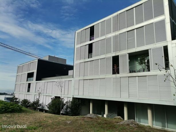 T2 + Escritório em Gualtar com aquecimento central completo e garagem